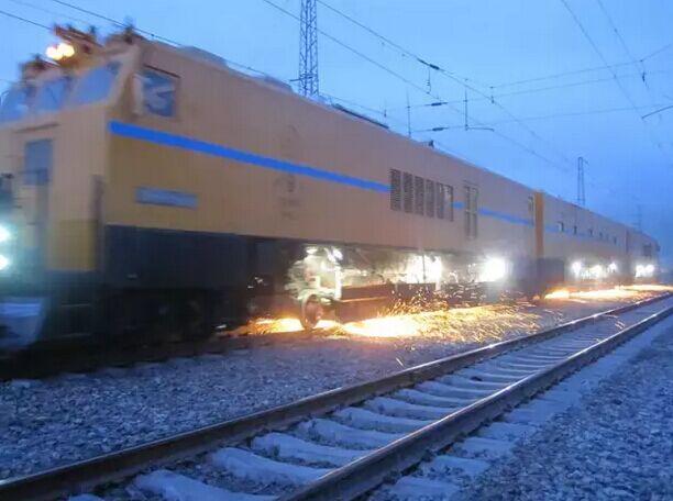 闪电侠 PGM-48型钢轨打磨列车